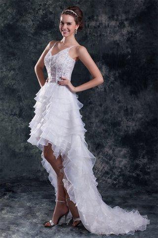 11324b030231 Mini abiti da sposa corti. Se hai il coraggio di andare in mini-short per  il tuo abito da sposa per mostrare le tue belle gambe snelle